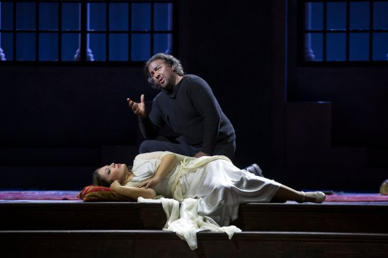 John Osborn (Otello) i Nono Machaidze (Desdemona) Fotografia gentilesa del compte de Twitter del Teatro San Carlo