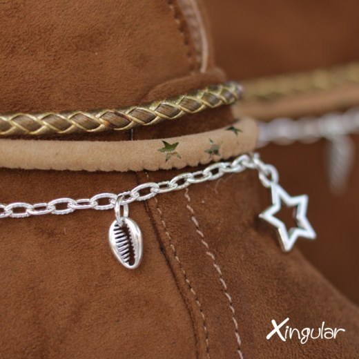 pulsera botas estrellas detalle