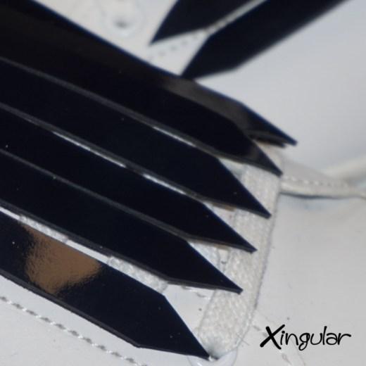 flecos zapatillas charol azul marino detalle