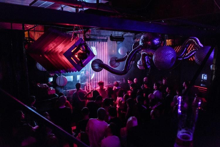 Dónde alojarse en Berlin para el mejor techno - Warschauer Strasse