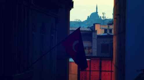 Mezquita en el horizonte