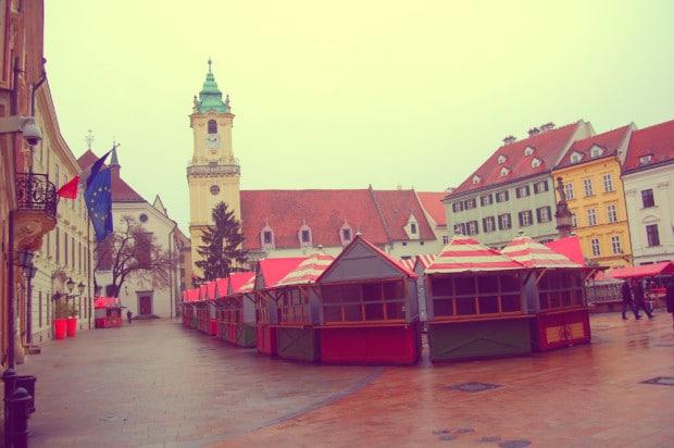 Plaza Central y Ayuntamiento