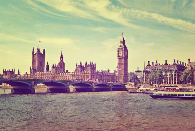 Big Ben y Casas del Parlamento