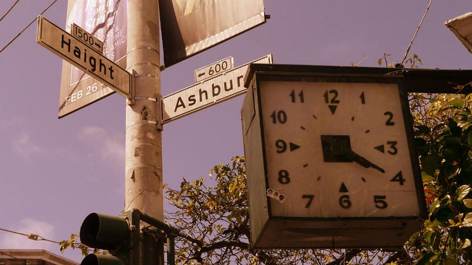 Reloj en Haight-Ashbury - San Francisco hippie