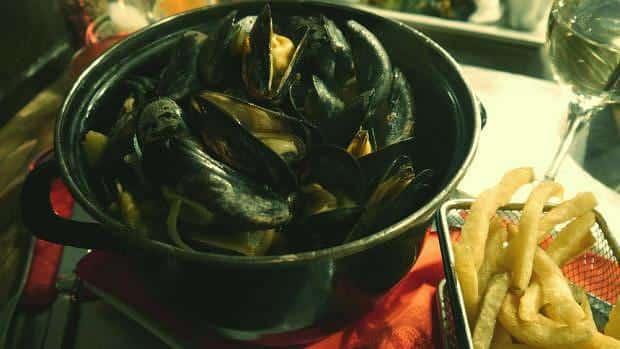 Comida en Bruselas - Mejillones al vapor