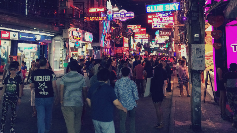 Pattaya Walking Street. Pattaya es la capital del sexo en Tailandia.