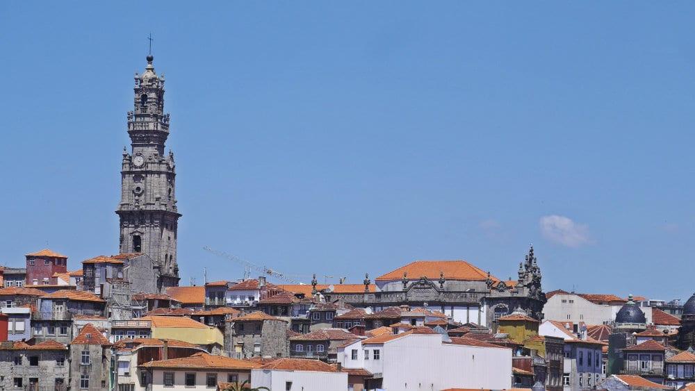 Alojarse en Vitória - Torre dos Clérigos - Oporto
