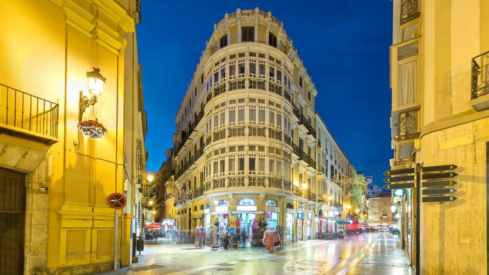 Mejores zonas para alojarse en Málaga - Calle Larios