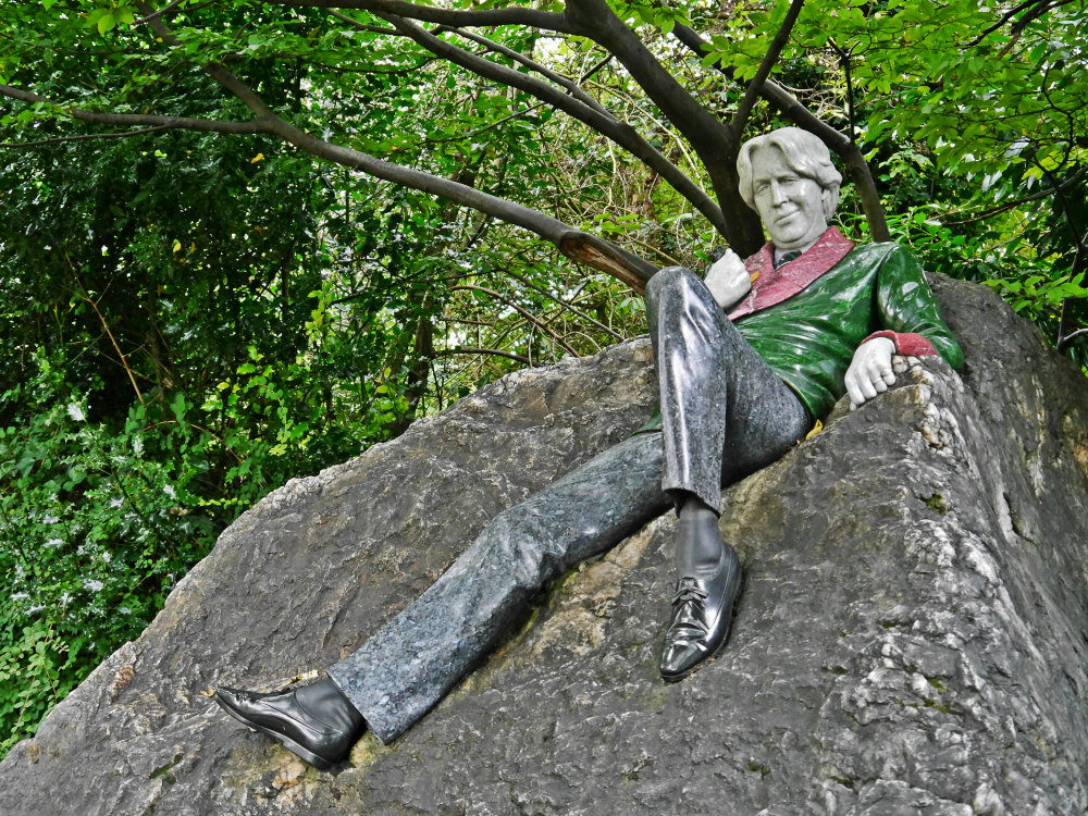 Monumento a Oscar WIlde en Merrion Square Park