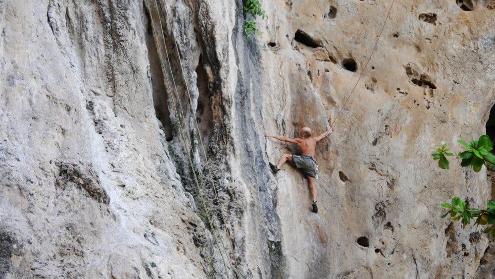Escalar en Railay - Tailandia