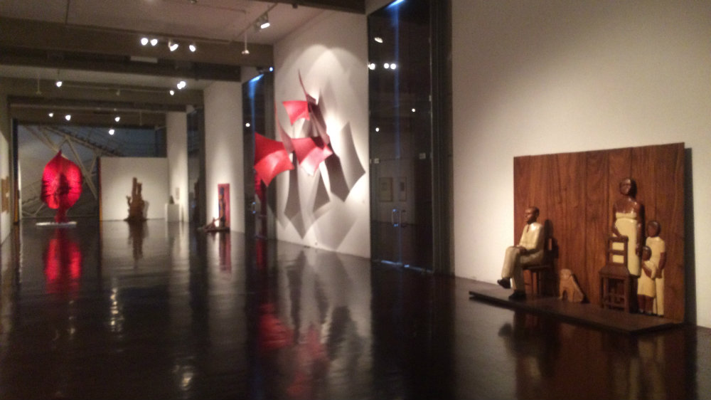 Escultura contemporánea en el la Galería de Arte Nacional