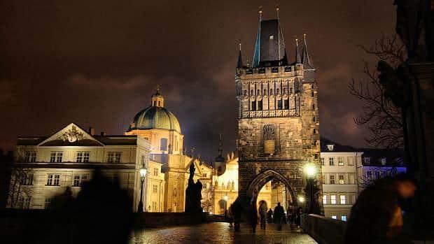 Torre de la Pólvora y Puente de Carlos - Qué ver en Praga