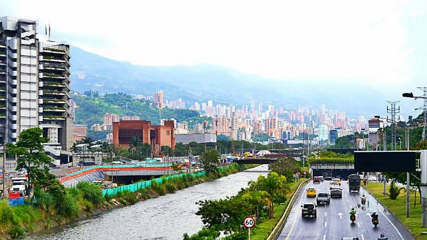 Dónde dormir en Medellín - Plaza Mayor