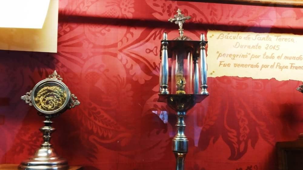 Atracciones de Ávila, España - Dedo momificado de Santa Teresa de Jesús