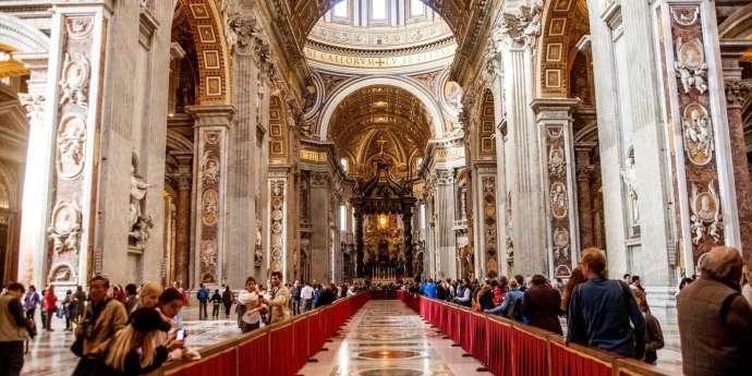 Interior de la basílica de San Pedro - Roma