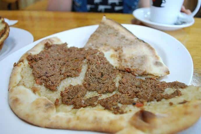 Pizza libanesa