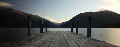Ponton sur le lac rotoiti , Nouvelle Zélande