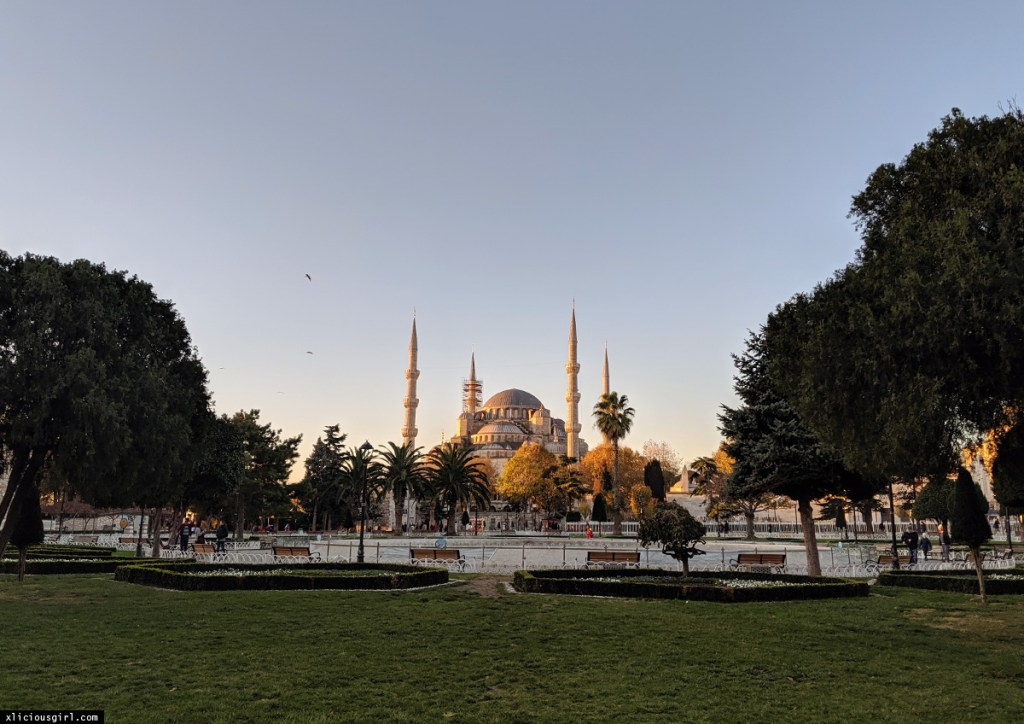 the Blue Mosque in Istanbul at sunrise
