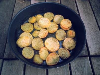 Пресни картофки с розмарин