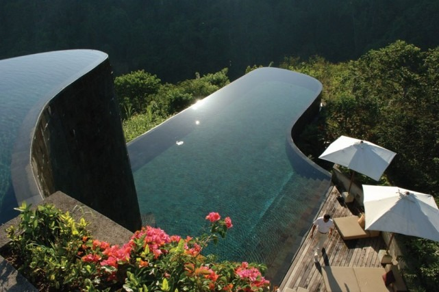 7 Of The Worlds Most Amazing Swimming Pools