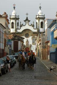 Chuches and horses in S. João d'el Rey