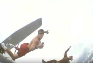 Как умереть легко Как высокий прыжок с самолета