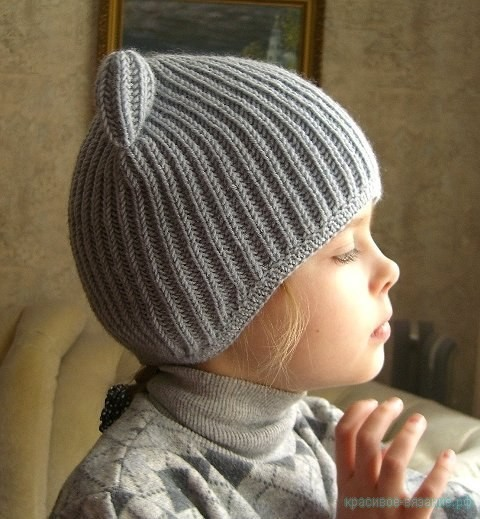 Вяжем шапочку для девочки.