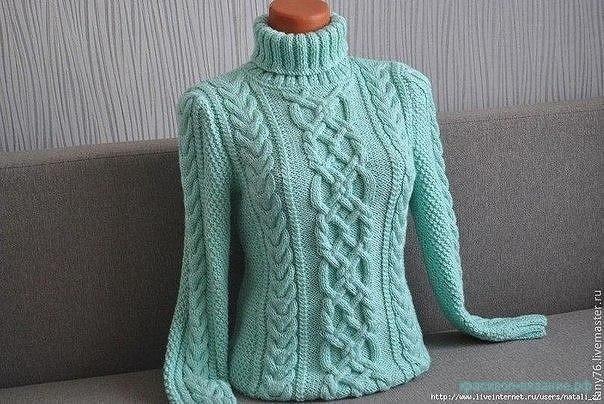 Вяжем красивый свитер спицами