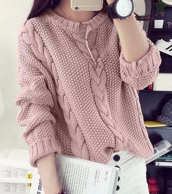 Как связать стильный свитер спицами