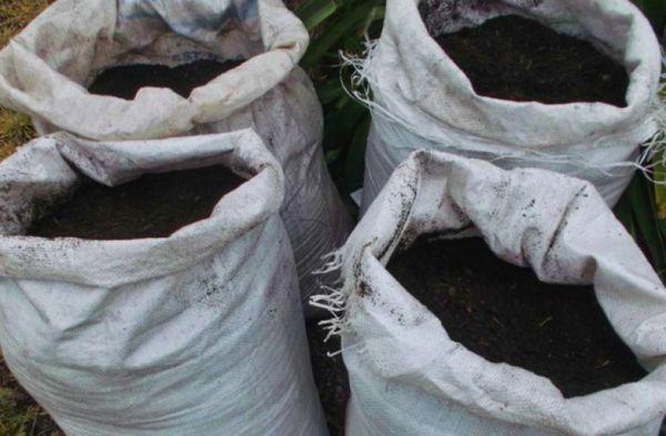 Приготовление компоста в мешках для мусора