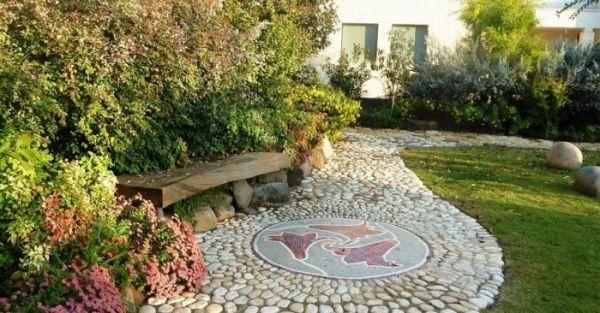 Оригинальные садовые дорожки для оформления вашего участка
