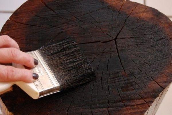 Практичная мебель из лесных пеньков