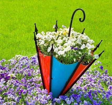 Клумба из зонтика своими руками – незатейливый и привлекательный декор на даче 6