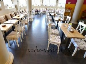 мебель для гостей в кафе