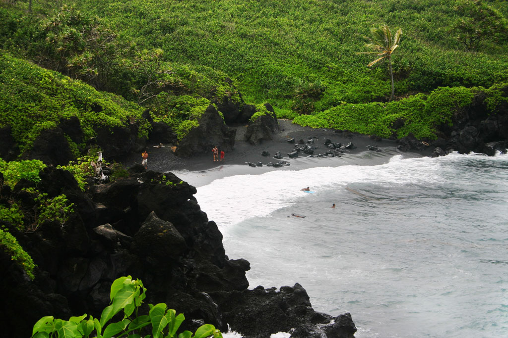 Wainapapa Black Sand Beach