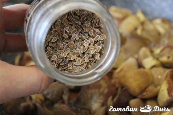 Жареные маслята со сметаной