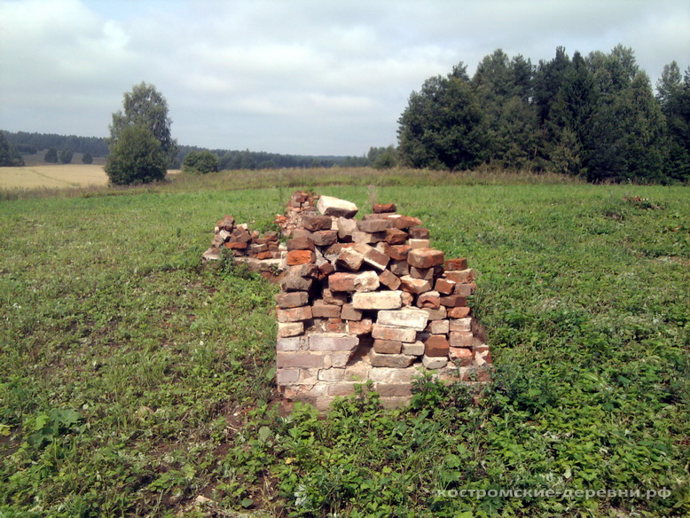 Остатки главного дома усадьбы