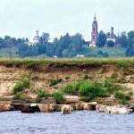 Вид на село со стороны реки Унжи
