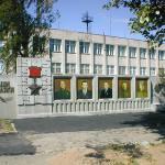 Аллея героев в центре села Пыщуга