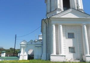 Врата Успенской церкви села Тетеринского