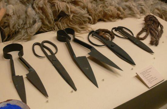 Древние ножницы для стрижки шерсти