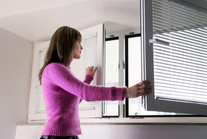 Как избавиться от неприятного запаха в квартире?