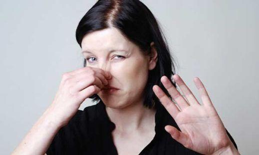 Избавиться от запаха мочи человека в квартире