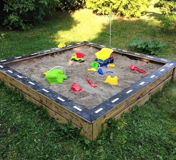 庭子供遊び場所