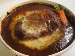 7-11 燒起司漢堡排咖哩燉飯(焼チーズハンバーグカレードリア)