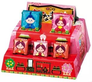 外盒加以組裝隨即搖身一變!雛人偶擺飾臺造型「BIG Tirol巧克力〈女兒節〉」