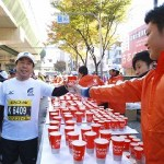 マラソン,給水,方法,コツ