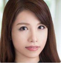 上山奈々(かみやまなな / Kamiyama Nana)