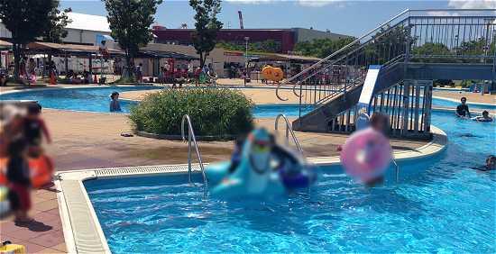 流れるプール 兵庫