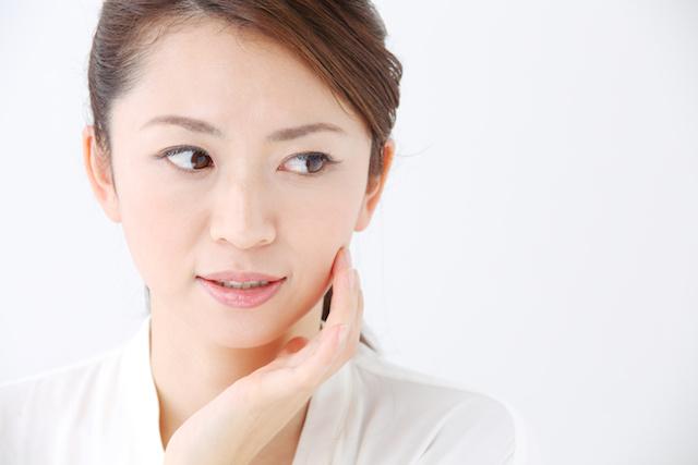 脂漏性皮膚炎とニキビの違い